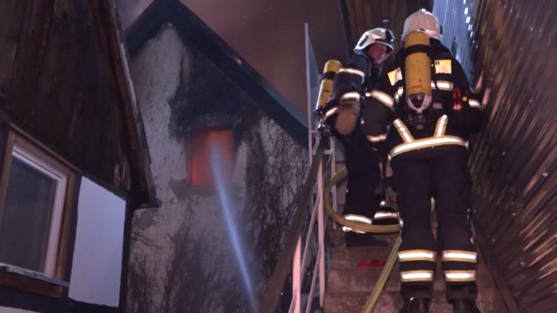 Haus nach Brand einsturzgefährdet (Foto: SAT.1 NRW)