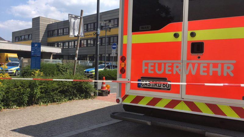 DHL Mitarbeiter durch Paket verletzt (Foto: SAT.1 NRW)