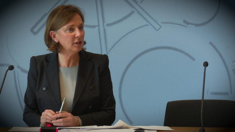 NRW-Schulministerin Gebauer zu den geplanten Lockerungen (Foto: SAT.1 NRW)