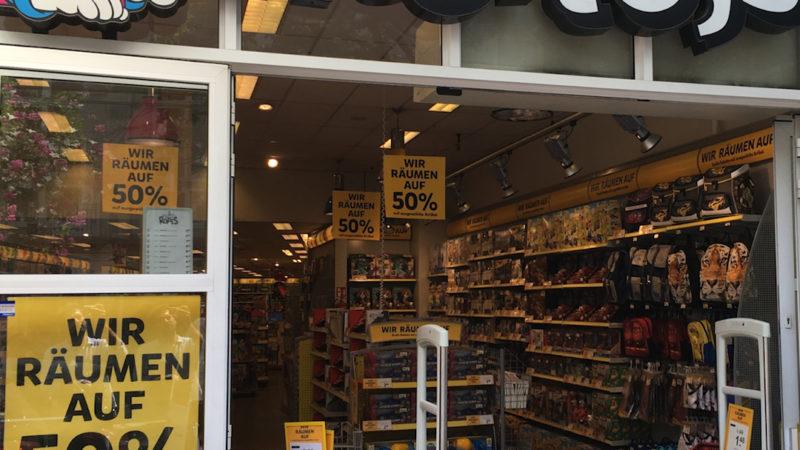 Spielzeug Krise - Immer mehr Spielwarenläden machen dicht (Foto: SAT.1 NRW)