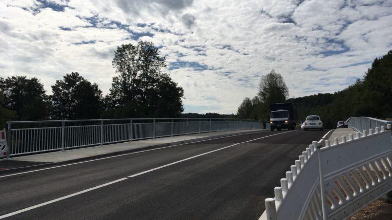 Lego Brücke fertig - Diese Brücke wurde in 100 Tagen gebaut (Foto: SAT.1 NRW)