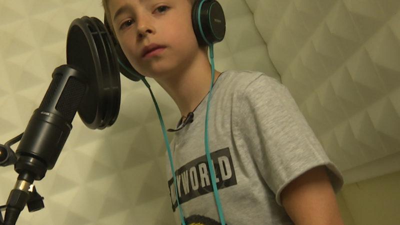 Mini Rapper - Little J will mit acht Jahren die Rap-Szene aufmischen (Foto: SAT.1 NRW)