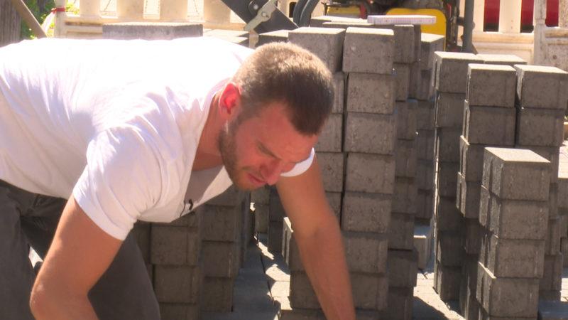 Hitzejob Baustelle - Unser Reporter greift den  Bauarbeitern unter die Arme (Foto: SAT.1 NRW)
