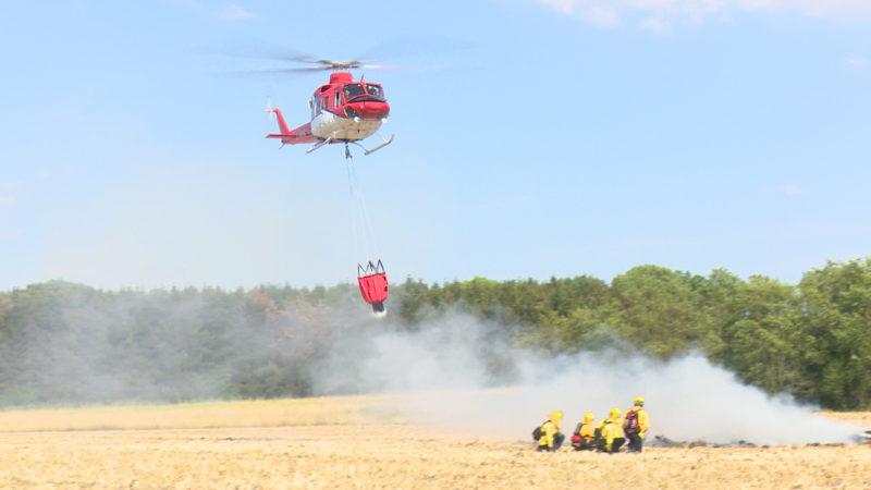 Einsatz im Feuer - Ahlener Helikopterunternehmen helfen bei Waldbränden in Südeuropa (Foto: SAT.1 NRW)