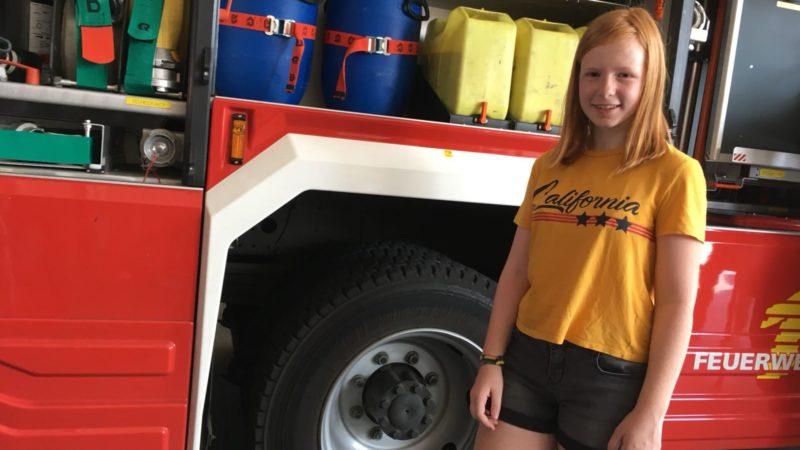 Lebensretterin aus Krefeld - 13-Jährige rettet Frau und Kind aus dem Feuer (Foto: SAT.1 NRW)