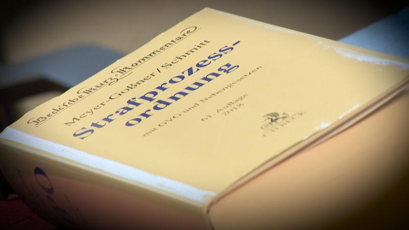Prozessbeginn gegen mutmaßlichen Messerstecher (Foto: SAT.1 NRW)