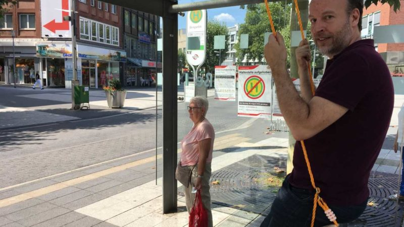Schaukeln an Haltestellen - ist der Vorschlag in Bochum realistisch? (Foto: SAT.1 NRW)