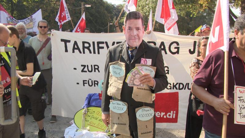 Klinikstreik vor dem Finanzministerium (Foto: SAT.1 NRW)