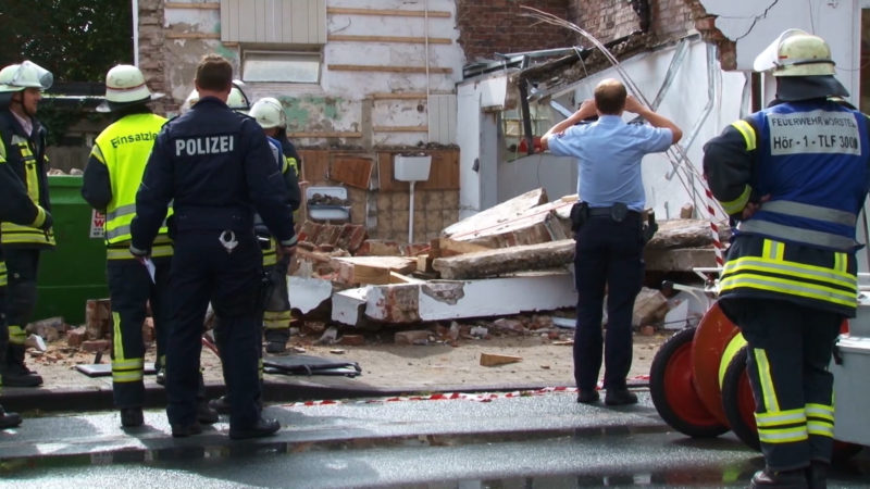 Verschüttet unter Beton (Foto: SAT.1 NRW)