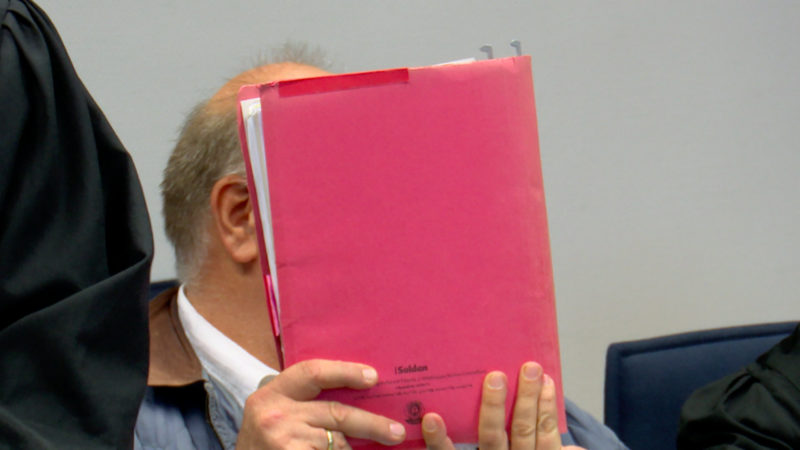 Frauenarzt vor Gericht (Foto: SAT.1 NRW)