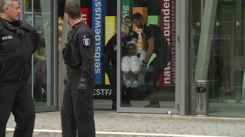 Von Hambach in die Hauptstadt - Aktivisten protestieren auch in Berlin (Foto: SAT.1 NRW)