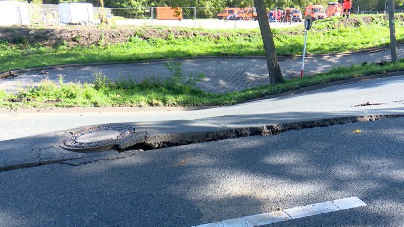 Straße in Dortmund abgesackt (Foto: SAT.1 NRW)