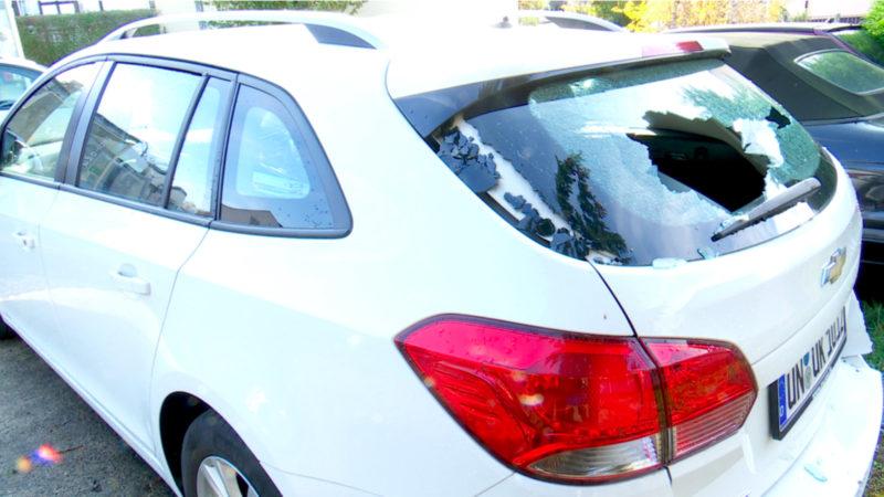 55 Autos mit Beil zersört (Foto: SAT.1 NRW)