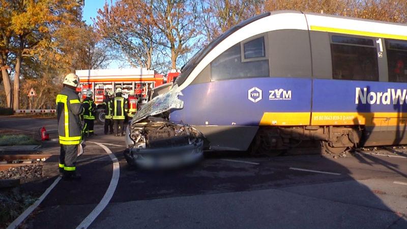Tödlicher Unfall an Bahnübergang (Foto: SAT.1 NRW)