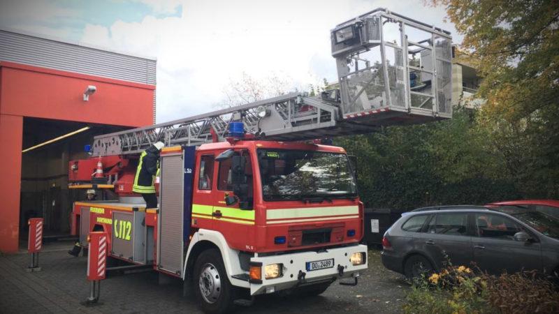 Feuerwehr während des Einsatzes beklaut (Foto: SAT.1 NRW)
