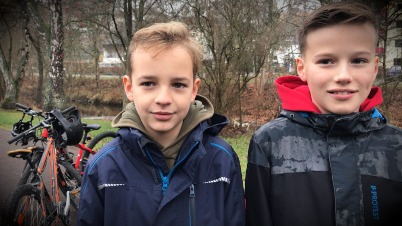 Kinder schnappen Flüchtigen (Foto: SAT.1 NRW)