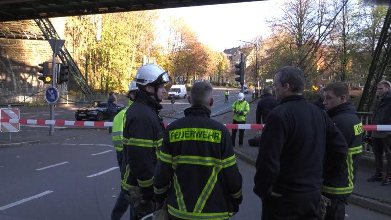 Wuppertal: Schwebebahn zerstört (Foto: SAT.1 NRW)