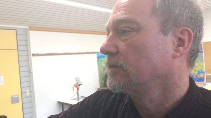 Lehrer wehrt sich gegen AfD (Foto: SAT.1 NRW)