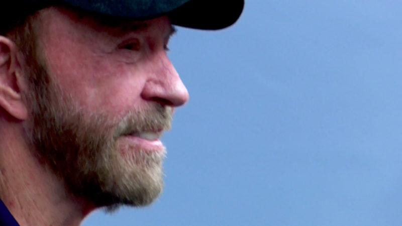 Chuck Norris besucht Comic-Messe (Foto: SAT.1 NRW)