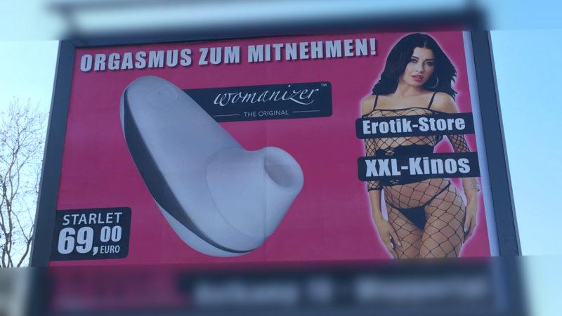 Sex-Plakate sorgen in Wuppertal für Wirbel (Foto: SAT.1 NRW)