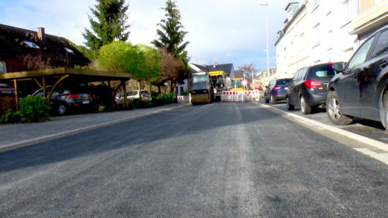 Alte Straße, teure Anliegerkosten (Foto: SAT.1 NRW)