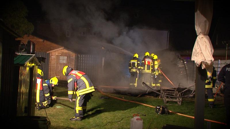 Gartenlaube explodiert - zwei Menschen kommen ums Leben (Foto: SAT.1 NRW)