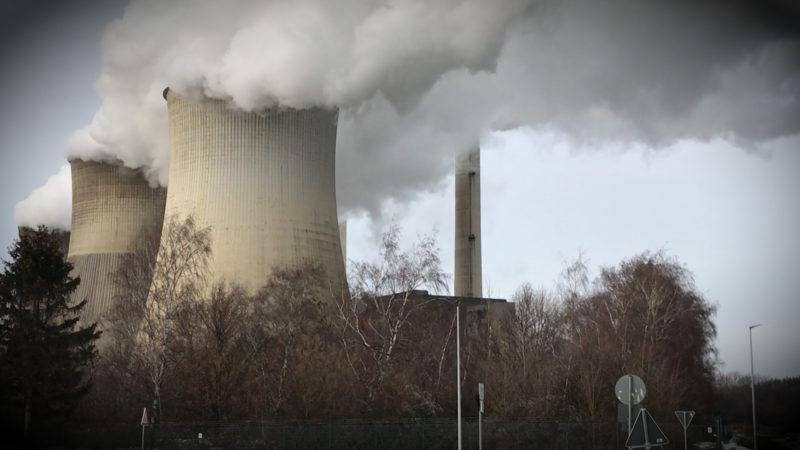 Wieder Proteste vor Braunkohlekraftwerk (Foto: SAT.1 NRW)
