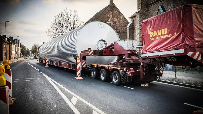 Bier-Laster festgefahren (Foto: SAT.1 NRW)