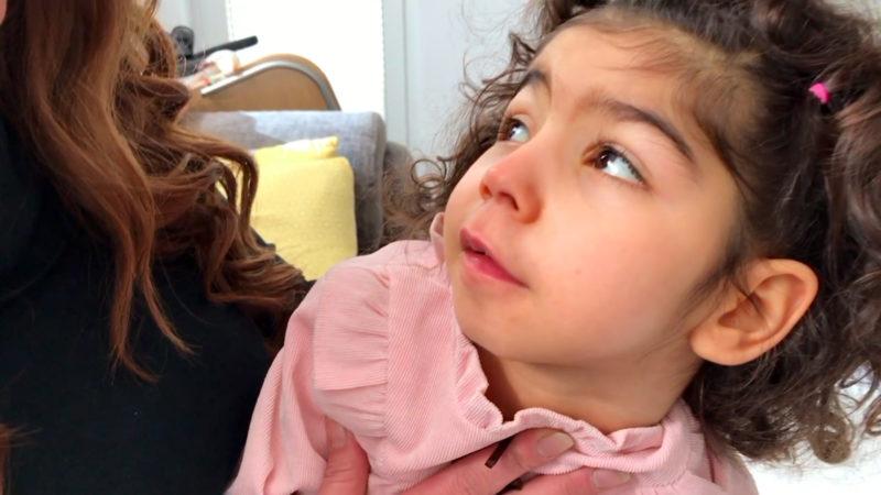 Wer zahlt für die kleine Elif? (Foto: SAT.1 NRW)