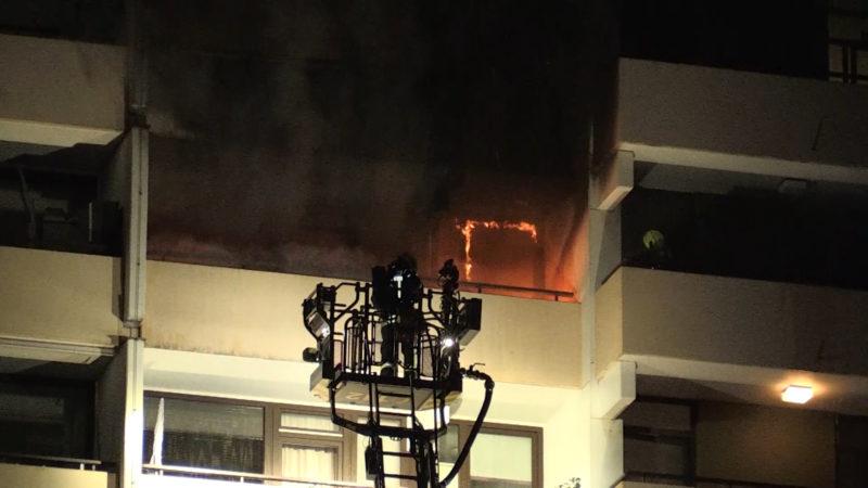 Sieben Menschen bei Hochhausbrand verletzt (Foto: SAT.1 NRW)