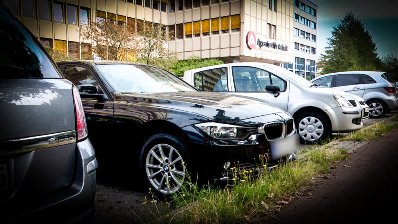 Polizei muss Luxus-Autos wieder abgeben (Foto: SAT.1 NRW)