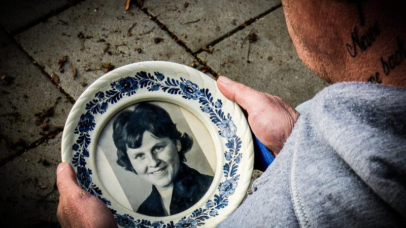 Mann sucht verlorene Mutter (Foto: SAT.1 NRW)