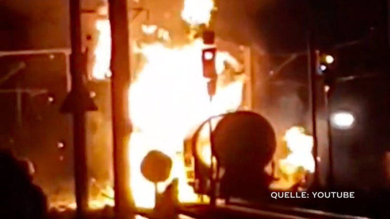 Zugwaggon explodiert in Unkel (Foto: SAT.1 NRW)