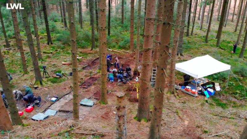 Archäologen forschen zu Naziverbrechen (Foto: SAT.1 NRW)