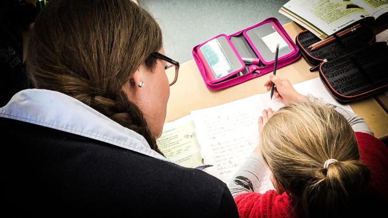 Kinder sollen besser Rechtschreibung lernen (Foto: SAT.1 NRW)