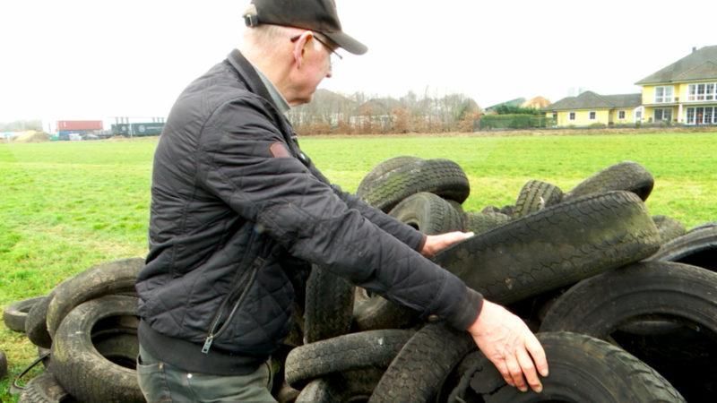 Landwirt soll fremden Müll entsorgen (Foto: SAT.1 NRW)