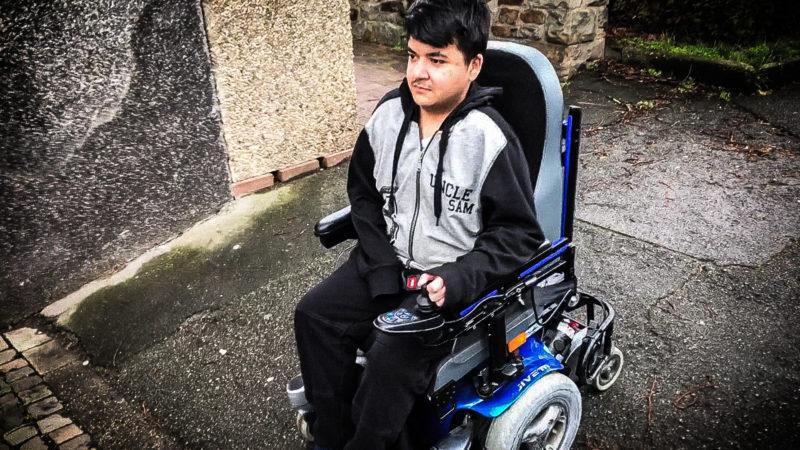 Rollstuhl von 17-jährigen geklaut (Foto: SAT.1 NRW)