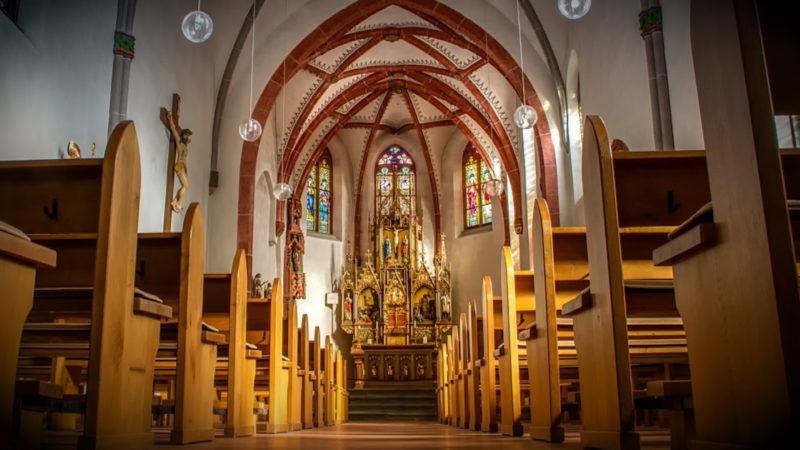 STREIK IN DER KATHOLISCHEN KIRCHE (Foto: SAT.1 NRW)