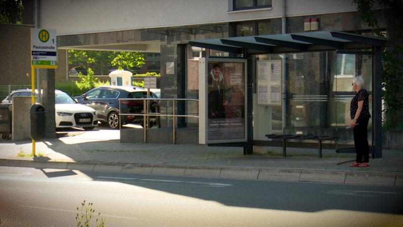 PROZESS: MANN RAST IN BUSHALTESTELLE (Foto: SAT.1 NRW)