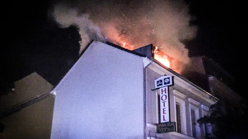 Hotel brennt in Bonn (Foto: SAT.1 NRW)