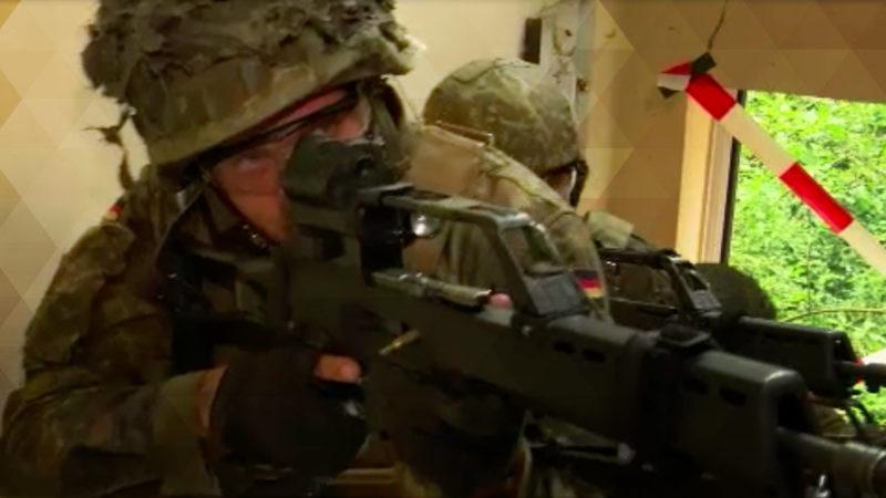 Bundeswehr trainiert Häuserkampf (Foto: SAT.1 NRW)
