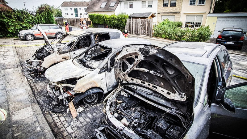 Unkraut verbrannt - Autos auch (Foto: SAT.1 NRW)