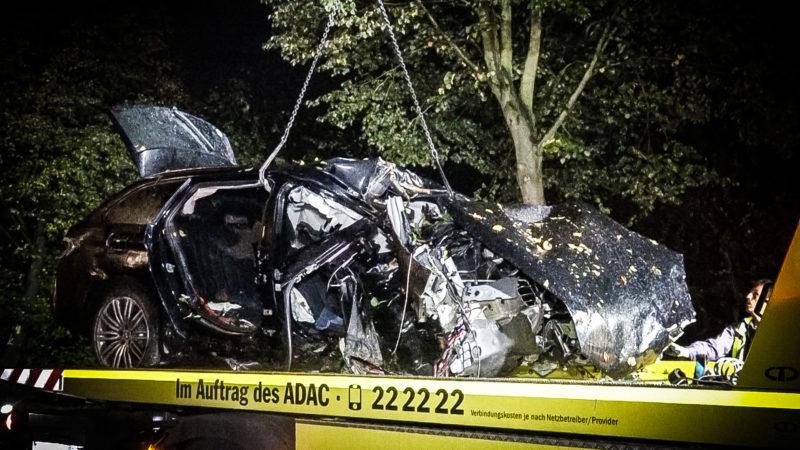 Jugendlich verursachen 400-PS Unfall (Foto: SAT.1 NRW)