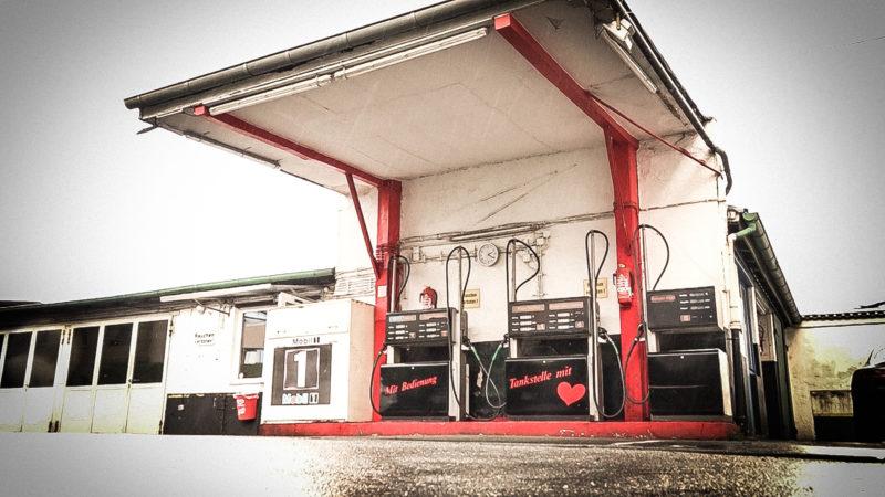 Älteste Tankstelle wieder geöffnet (Foto: SAT.1 NRW)