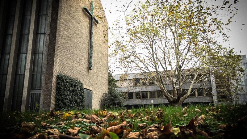 Handgranate vor Kirche (Foto: SAT.1 NRW)