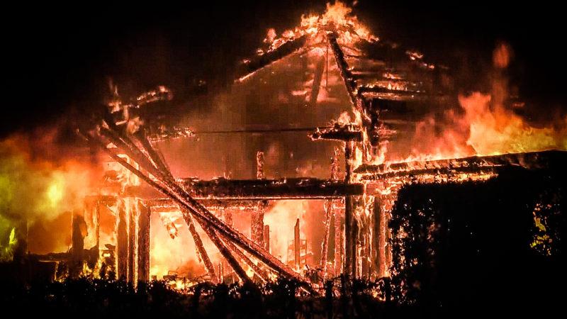 Jugendzentrum abgebrannt (Foto: SAT.1 NRW)