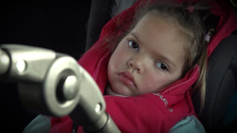 Todkrankes Kind darf zur Familie (Foto: SAT.1 NRW)