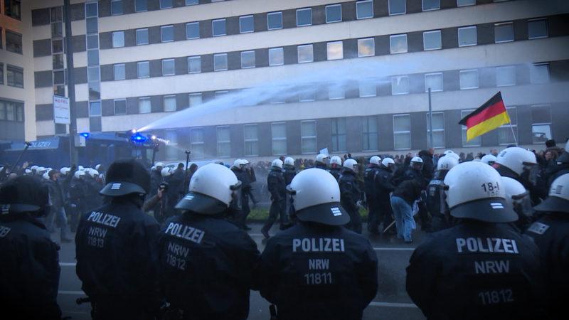 Polizei in NRW macht zu viele Überstunden (Foto: SAT.1 NRW)