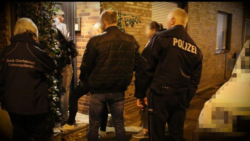Razzia gegen Hooligans (Foto: SAT.1 NRW)