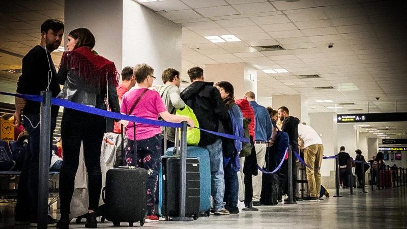 Flugbegleiter-Streik trifft NRW-Familien (Foto: SAT.1 NRW)